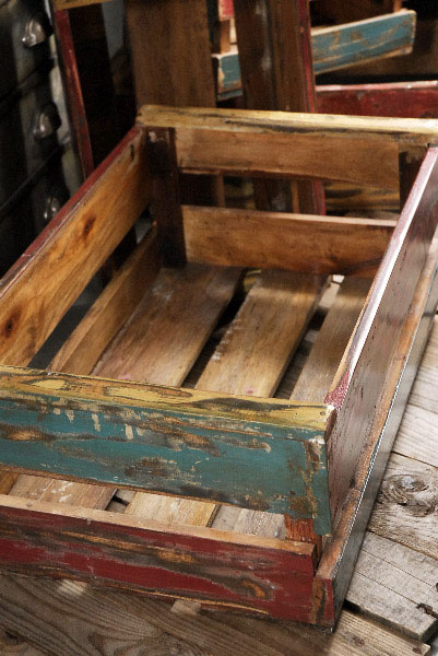 Distressed-Colorfull-Wood-Crate