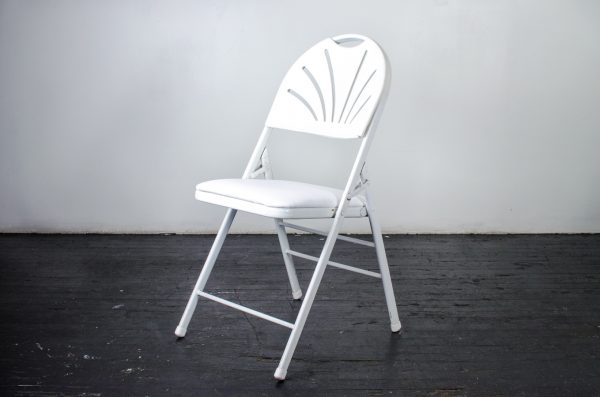 events-weddings folding chair fan back white