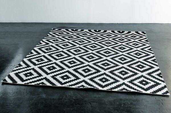 Rug, 7'6″x9'6″ Geometric Black & Ivory